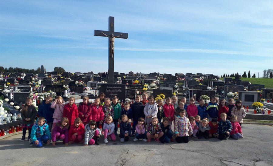 Vrtićanci posjetili mjesno groblje