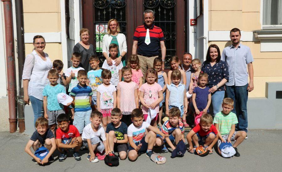 Leptirići na prijemu kod župana i na igri i učenju u Legradu